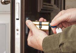 Effraction de porte et cambriolage : ce qu'il faut faire